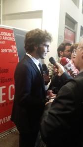 Il tenentino Alessandro Sperduti in balia dei giornalisti
