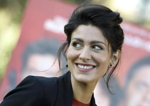 Italian actress/cast member Giulia Bevilacqua poses for photographs during the photo call for the movie 'Natale col Boss', in Rome, Italy, 15 December 2015. The movie will be released in Italian theaters on 16 December. ANSA/CLAUDIO ONORATI