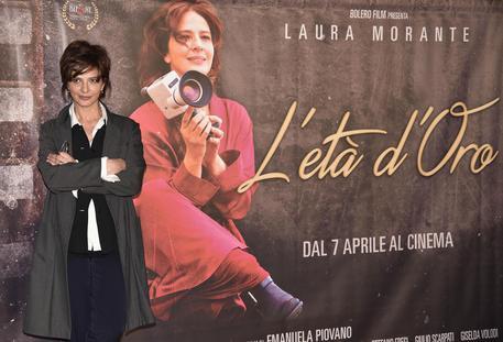 Laura Morante durante il photocall del film ''L'eta' d'oro'', Roma, 31 marzo 2016. ANSA/GIORGIO ONORATI